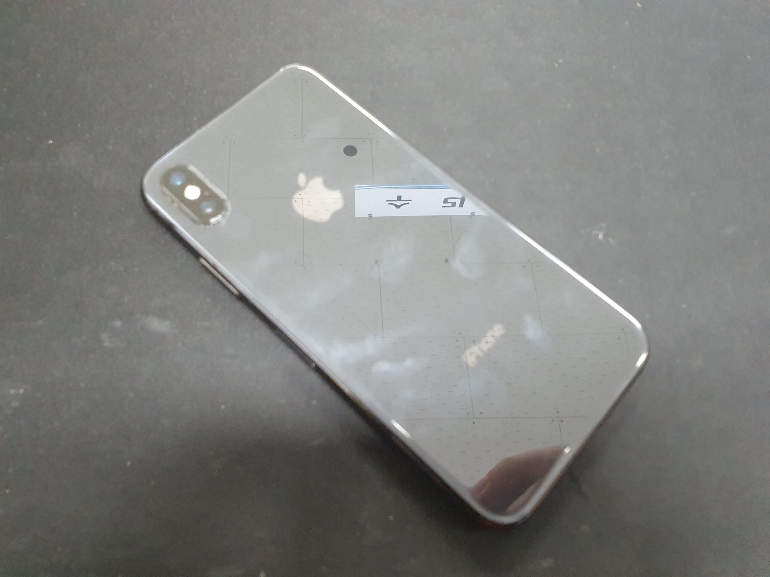 아이폰X 디스플레이 손상 3